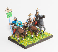 AGB12 Ancient British / Gallic: Command: Mounted Chieftains & Standard Bearer