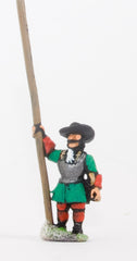 BRO25 European Armies: Heavy Pikemen in Hats with pike upright