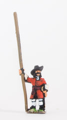 BRO28 European Armies: Medium Pikeman in Hats with pike upright