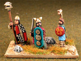 AGB9 Ancient British / Gallic: Command: Chieftains, Standard Bearers & Hornist