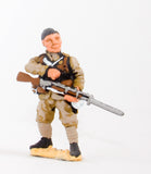 CO19a British: Infantryman loading (head variants)