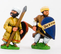 CRU8 Arab spearmen/javelinmen with kite shields, assorted poses