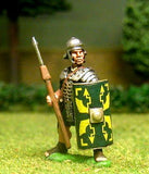 EXR18 Legionary in segmenta armour and plain helmet, with pilum and shield, pilum upright