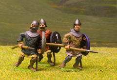 F11 Early Medieval: Spearman with Kite Shield, Quilted Jack & Hood, advancing