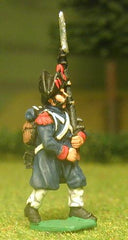 FN11 Imperial Guard 1804-12: Grenadier / Chasseur in Great Coat and Bicorne, advancing