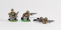 GER21 German Late War Infantry, SS or Panzer Grenadiers in smocks: Infantry wuth assault rifles, laying/kneeling