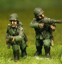 GER9 German 1940-1944: Infantry with Submachine guns
