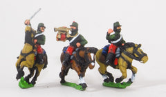 KO85 French: Cavalry: Command: Chasseurs Officer, Standard Bearer & trumpeter