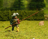 LM24 Landsknechts: Pikeman with Pike at 45 degrees (front rank)