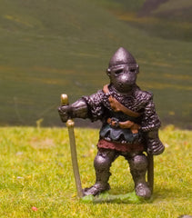 M6b Later Medieval: Dismounted Knight c.1350 in Bull-nose Helm