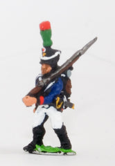 PN95 French: Young Guard 1809-1815: TirailleursGrenadiers or TirailleursChasseurs: Advancing with shouldered Musket