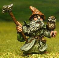Q47 Wizard: Dwarf Wizard with Hammer and Mystical Owl