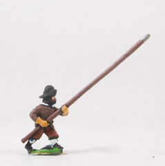 REN81 ECW: Scots Covenanters: Pikeman with pike at 45 degrees, advancing