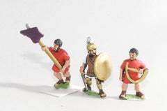 RO63 Early Republican Roman: Command: Officers, Standard Bearers & Musicians