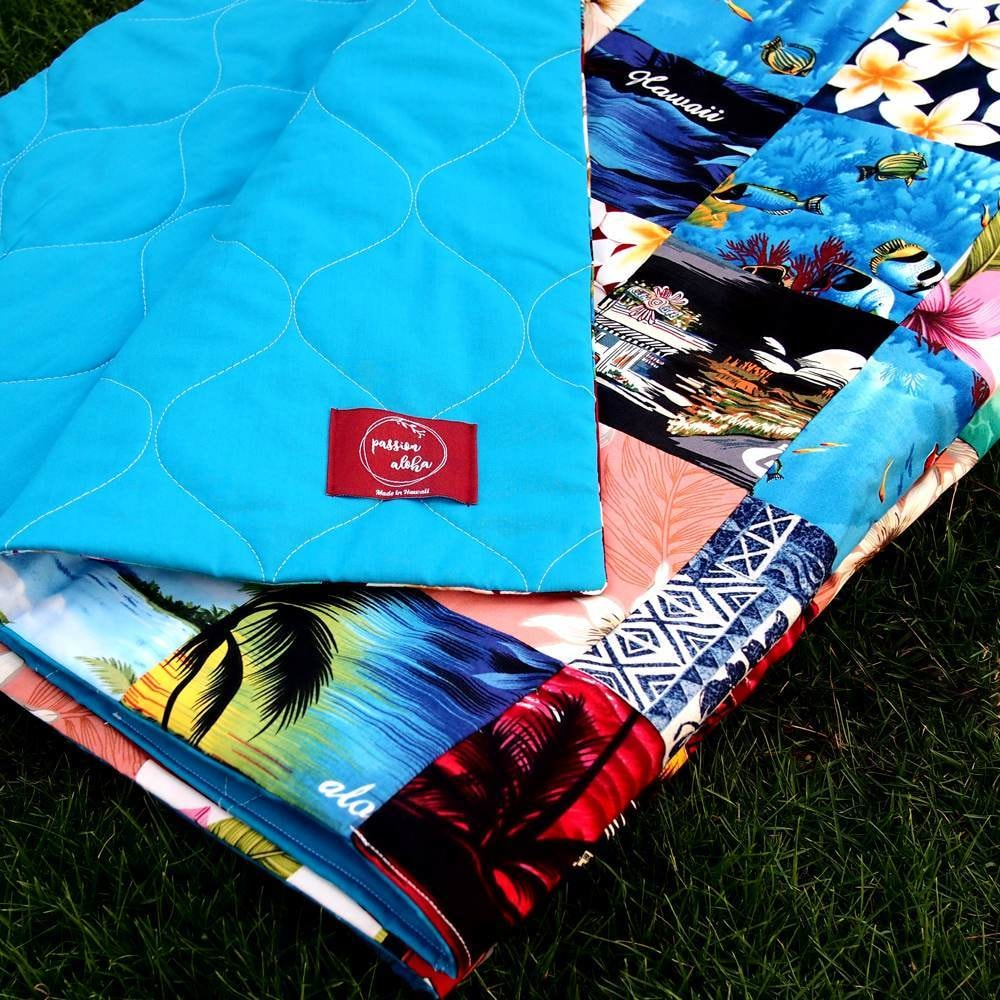 Blue Hawaiian Patchwork Throw | quilt