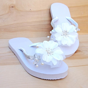 dreamy white bridal hawaiian flip flops | hawaiian sandals pali hawaii flip flops