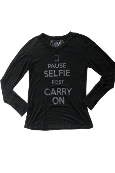 SELFIE CARRY ON LONG SLEEVE TOP