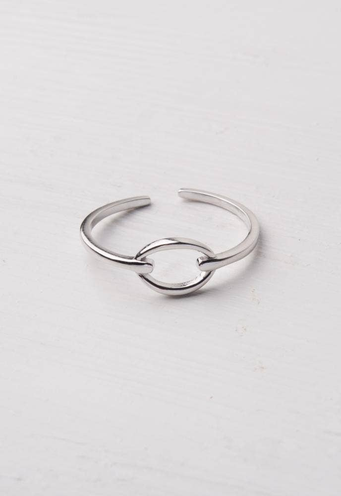 Lisa Silver Knot Ring