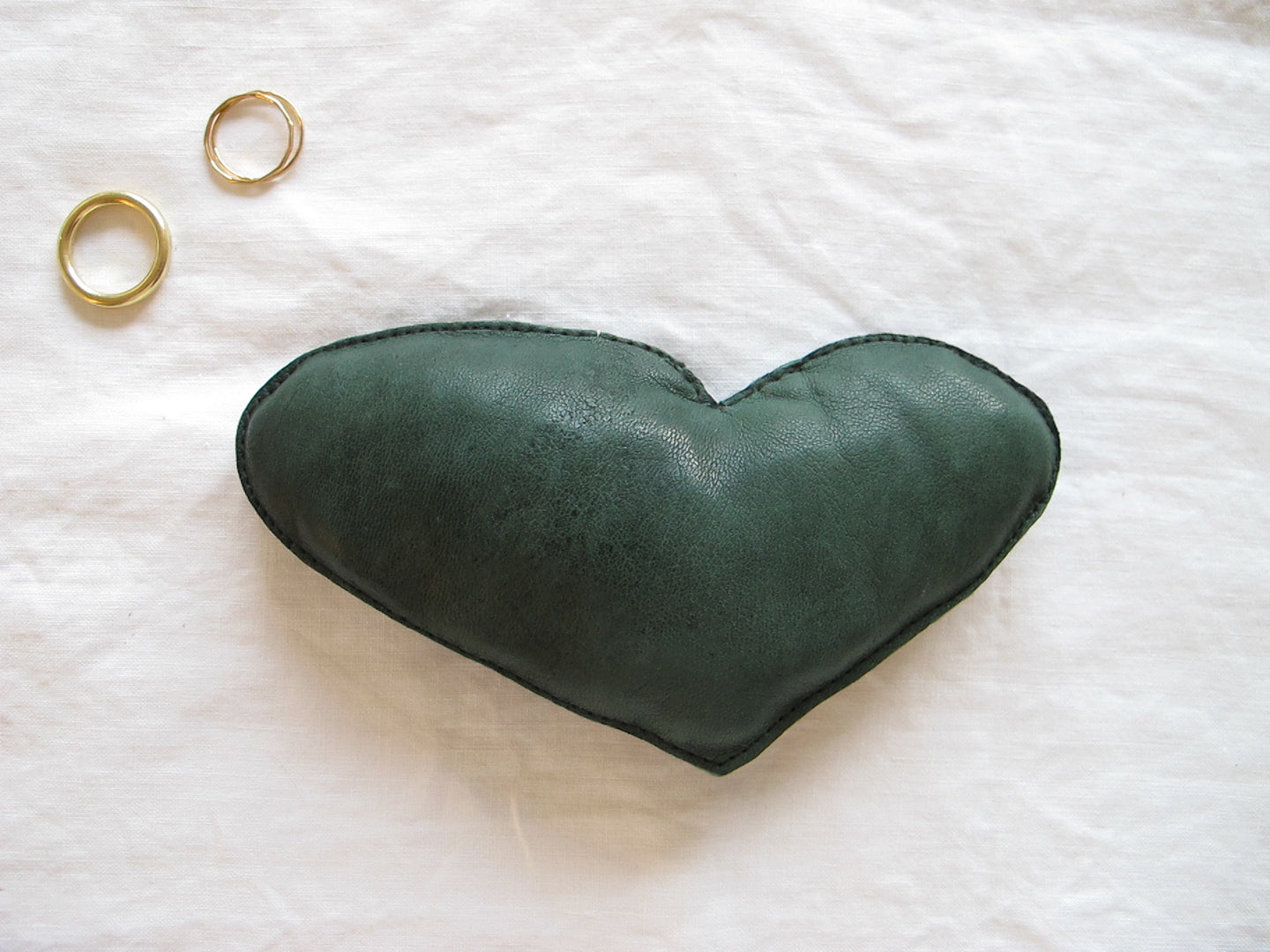 HEART in green, large