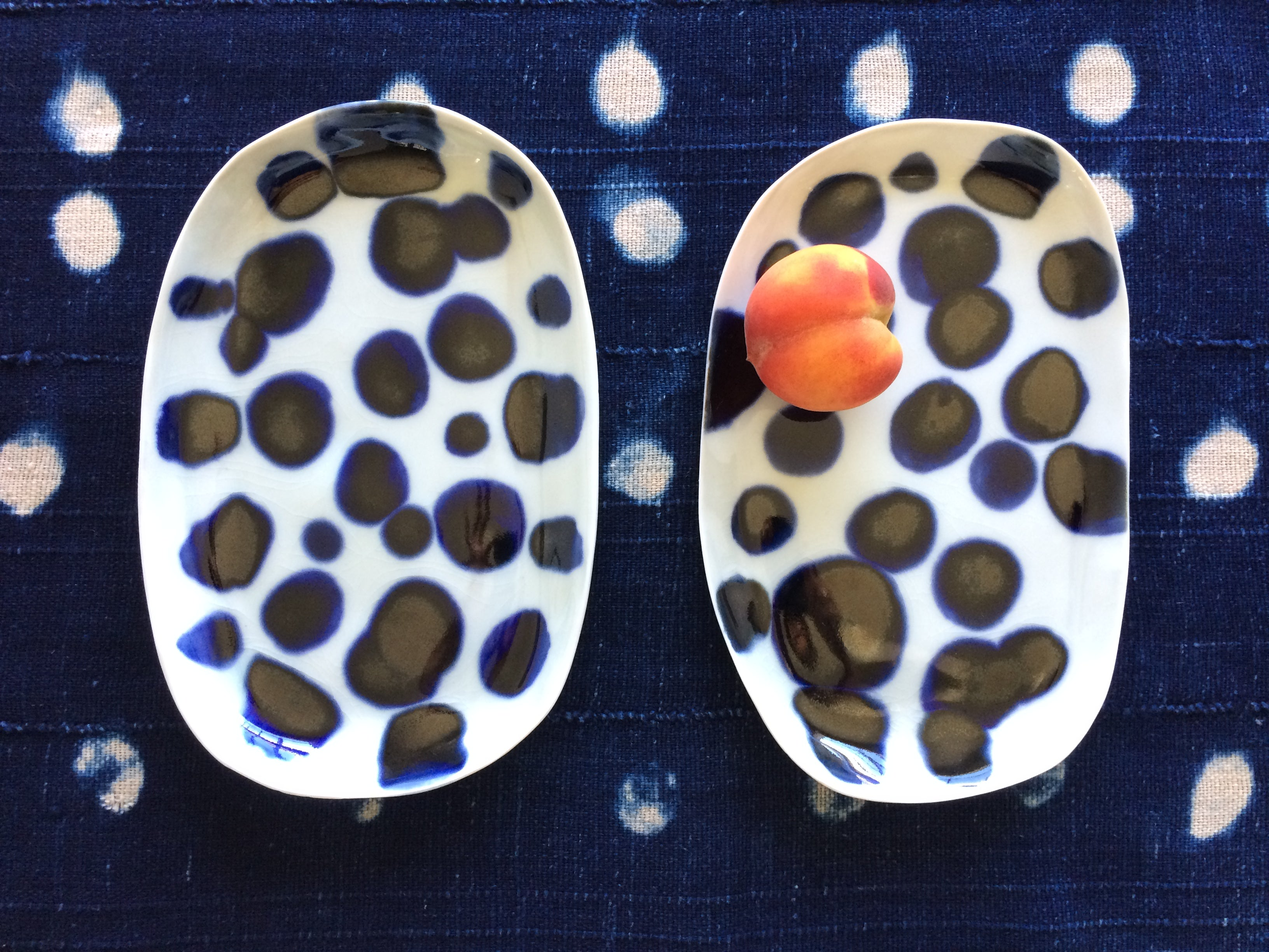 PORCELAIN DISH, blue dots