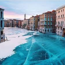 Do Venice canals freeze?