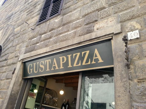 Best Pizza Place in Florence Italy