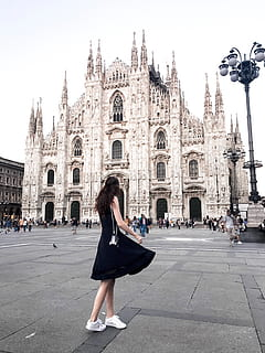 What to Wear in Milan?