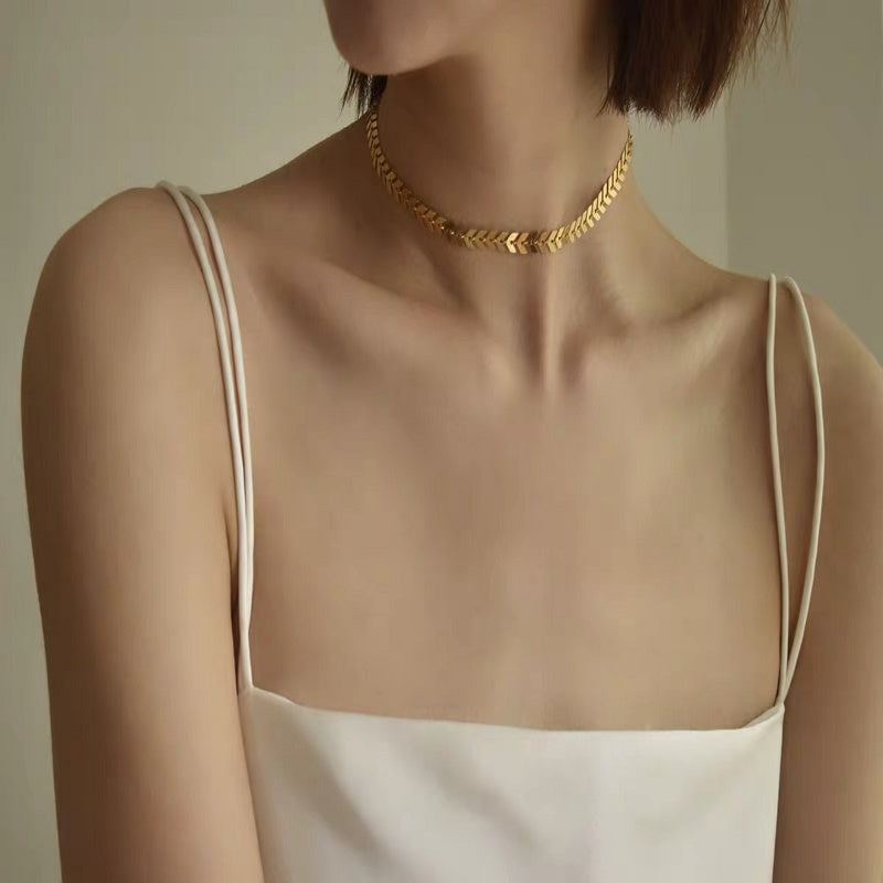 Metallic sequined women's short collar bone European