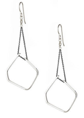 Eero Earrings in Sterling Silver and Oxidized Silver Chain