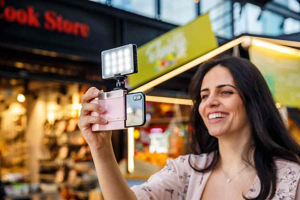 Pictar Smart Light lets you take beautiful pictures, even in complete darkness