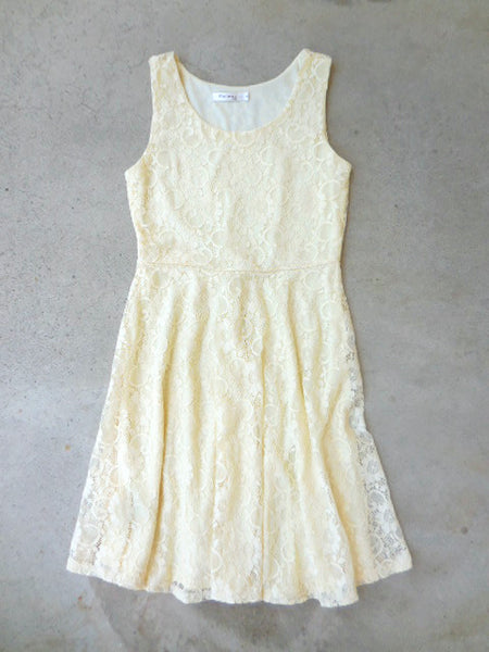 Buttercup Lace Dress - deloom