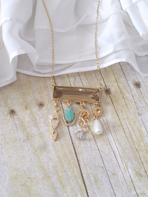 Bohemian Charm Necklace - deloom