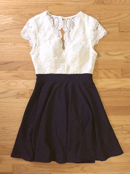 Lace & Navy Party Dress - deloom