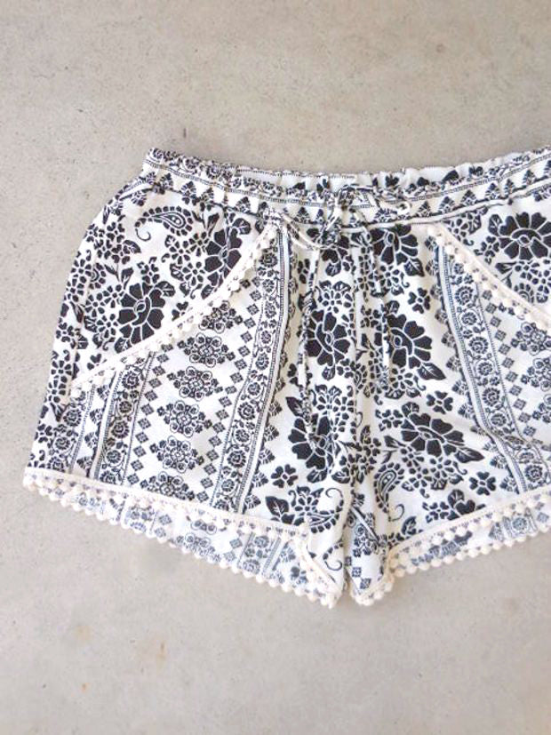 Seaside Shorts in Paisley