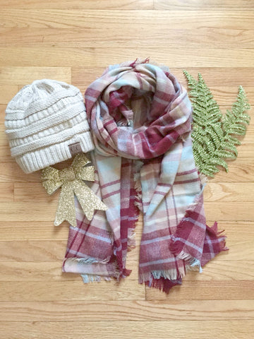 Cozy Plaid CC Beanie Gift Set - deloom
