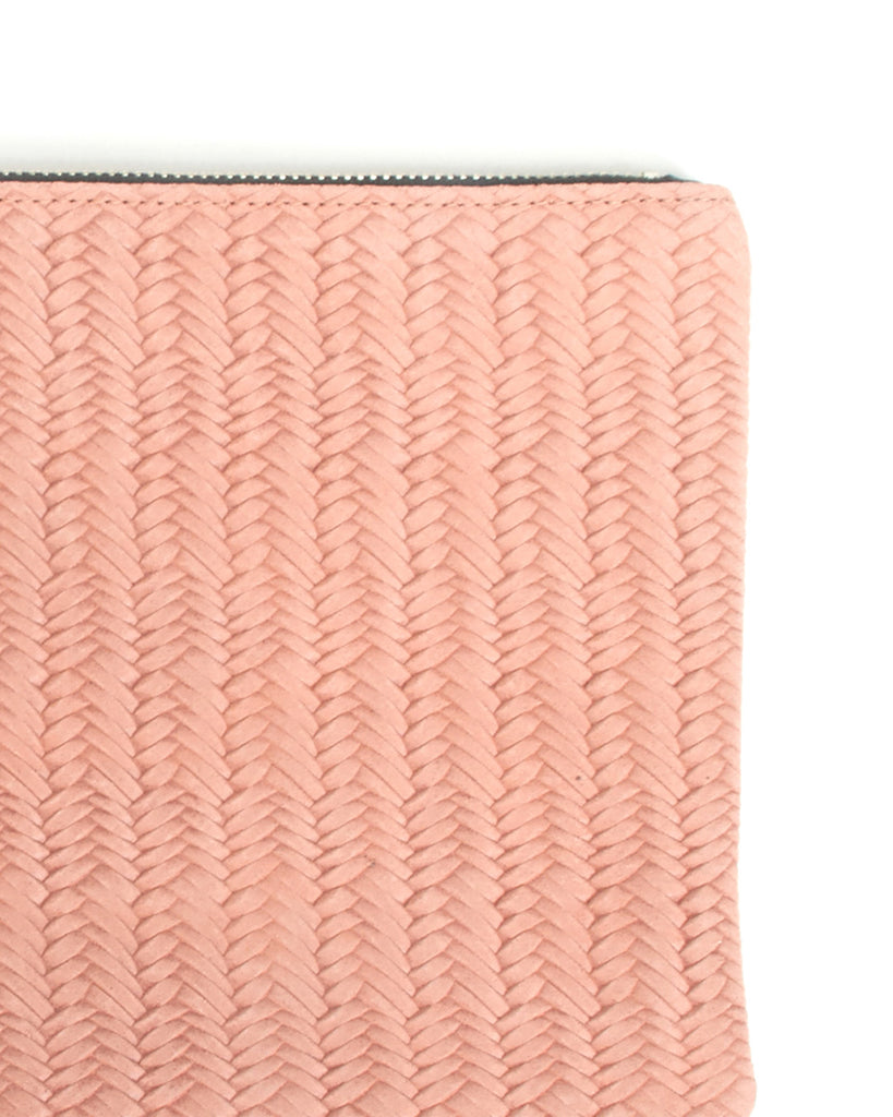 murphy bracelet clutch with frosted resin ring in pink woven cow leather