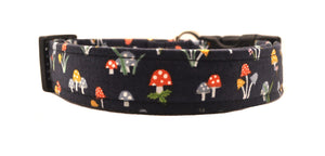 Magic Mushrooms Dog Collar