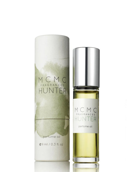 This fragrance is inspired by cabins in Vermont. With tobacco absolute, organic Bourbon vanilla and balsam fir, this fragrance is best worn with a flannel shirt.