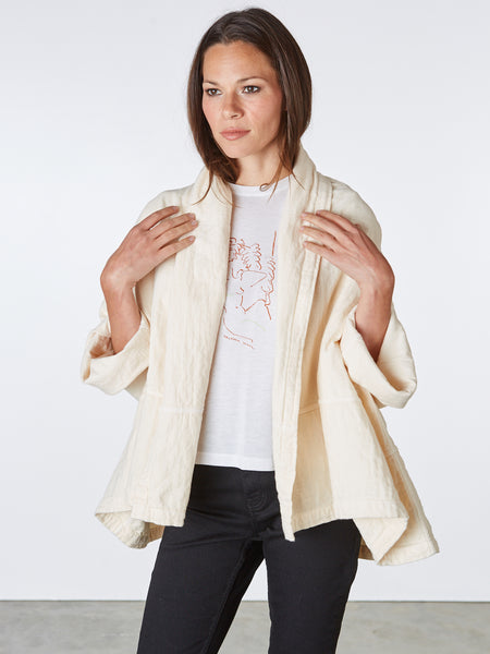 The Kimono Jacket  has an oversized boxy fit.   Made in LA from Japanese cotton.  The Jacket is One Size.
