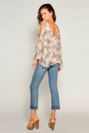 Coral Cold Shoulder Bell Sleeve Floral Blouse By Lavender Brown 002
