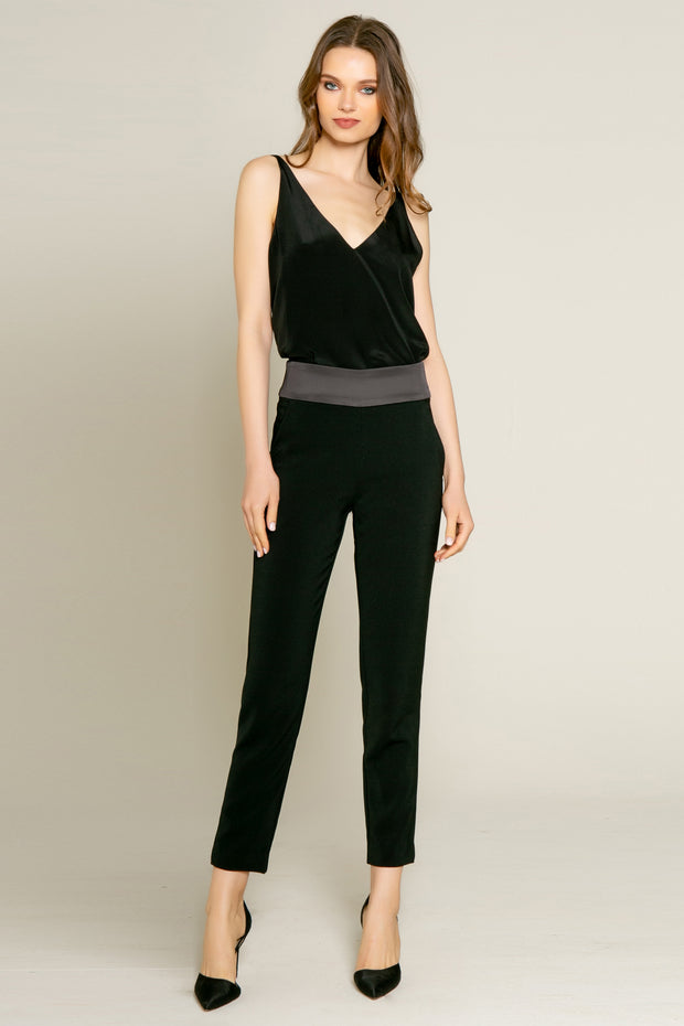 Black Contrast Jogger Pants by Lavender Brown 001