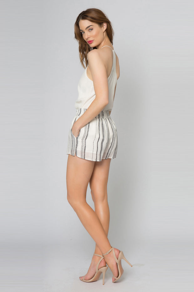 Black Striped Jacquard Shorts With Pockets 002