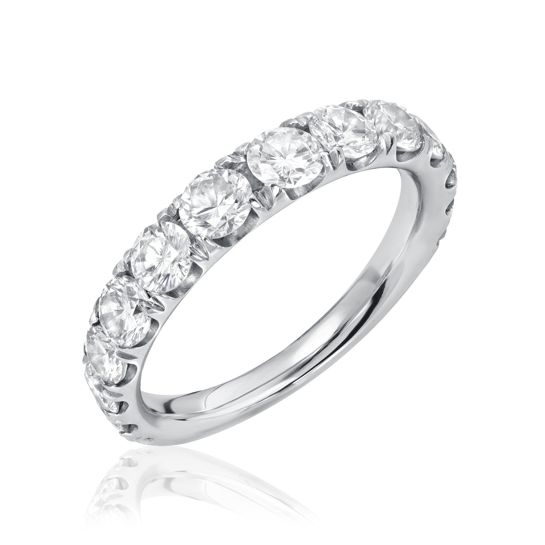 Tapered Split Prong Diamond Band