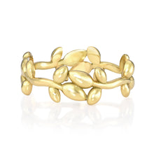 Leaf Band in 18K Gold