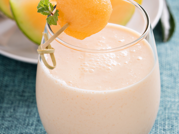 RECIPE: Collagen-Boosting Cantaloupe Smoothie
