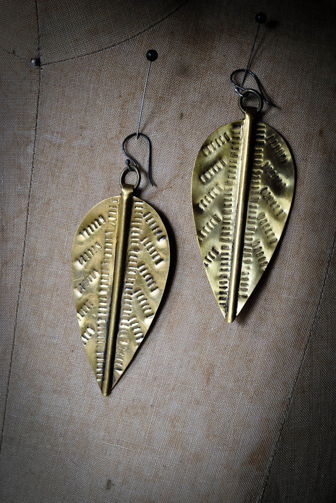 MOPANI LEAF EARRING LARGE