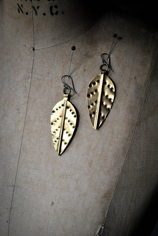 MOPANI LEAF EARRING MEDIUM