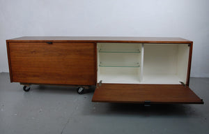 Knoll Wall Hanging Cabinet