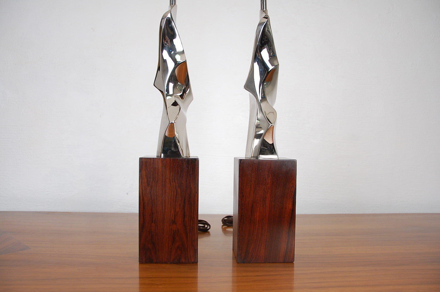 Laurel Sculptural Chromed Table Lamps on Rosewood Base by Maurizio Tempestini