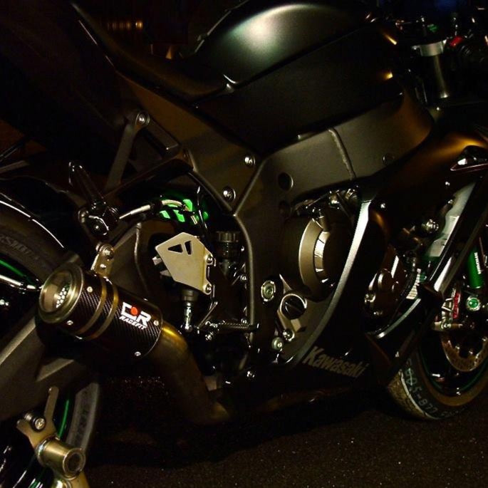 ZX10-R 2016-19 Black Edition (Pilion Footrest Mounted)